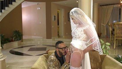 Ladyboy Bride XXX Clips